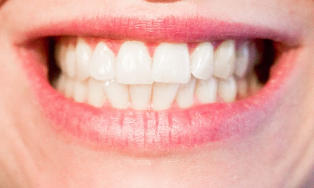 Obecna technika wykorzystywana w salonach stomatologii estetycznej może spowodować, że odzyskamy piękny uśmiech.
