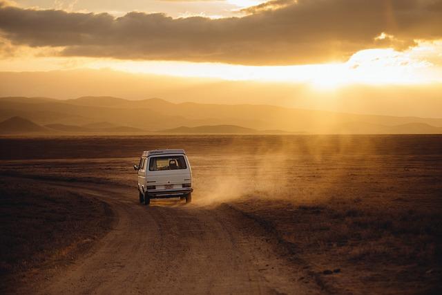 Podróże międzynarodowe czy musimy jechać prywatnym autem?